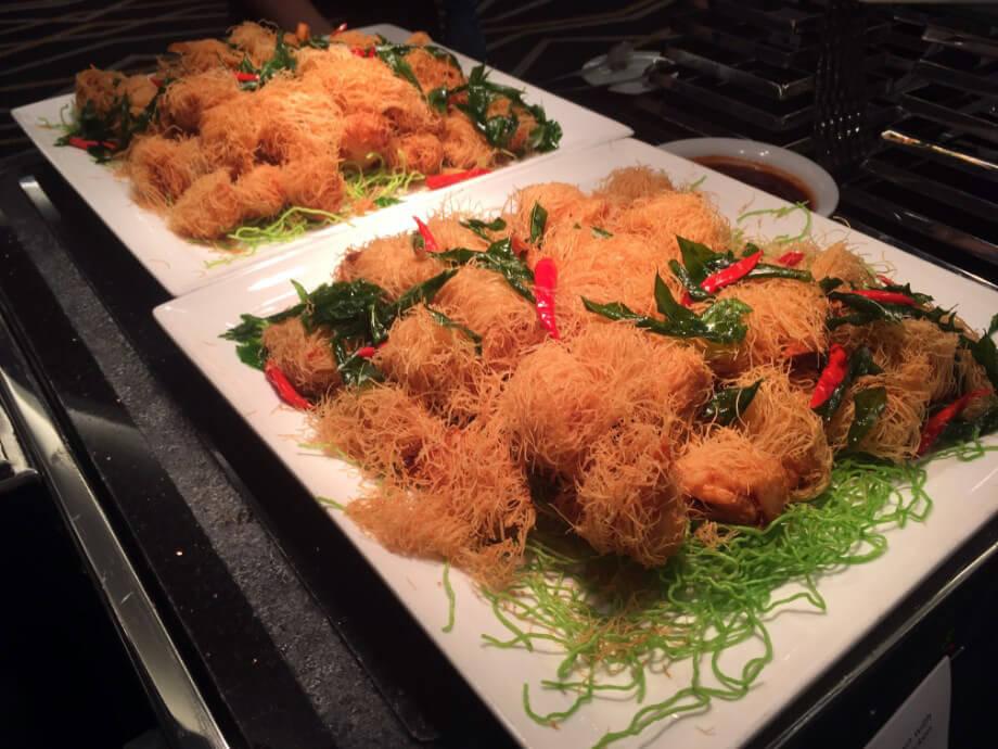 粉絲炸明蝦,新加坡特有小食?