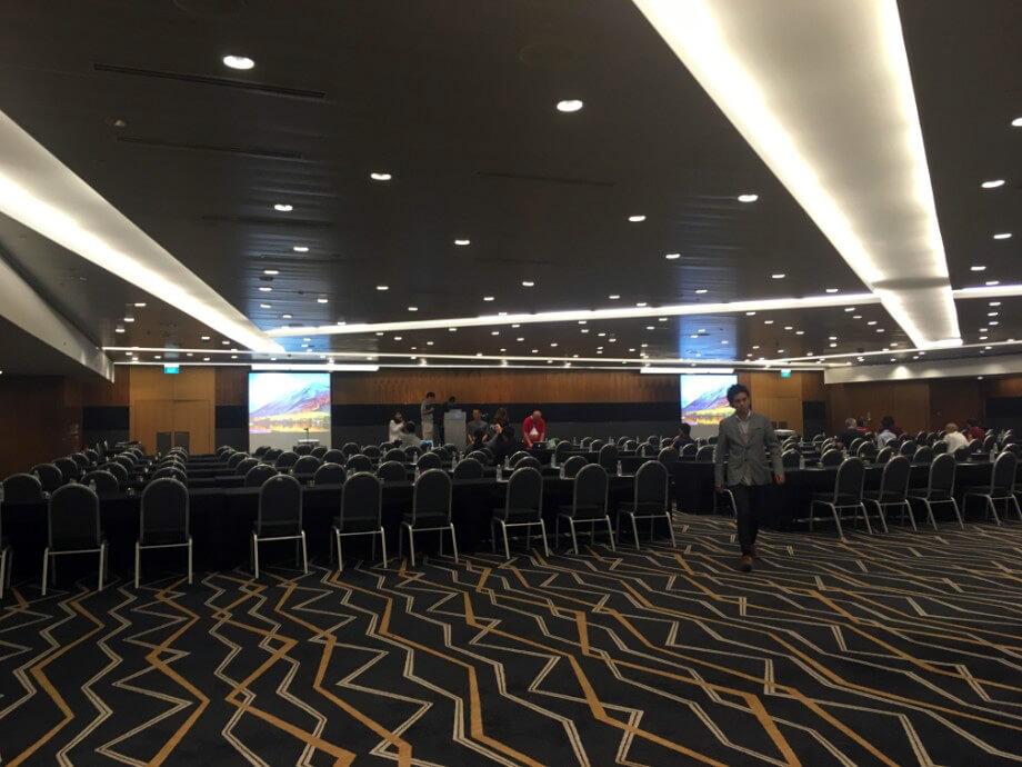 剛開場時的演講廳。